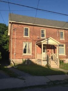 4bdrm/2bdrm - Located Close to Queens University - Available May