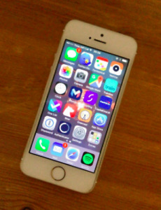 iPhone 5s Gold Mint Condition