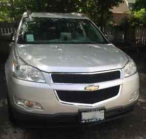 2010 Chevrolet Traverse LOW KMS - ACCIDENT FREE! Safety & Etest!