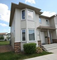 Looking for a Female Roommate -  Lakewood townhouse - East Side
