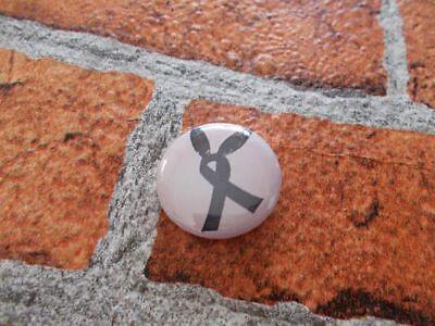 Ribbon Bunny ears - Ariana Grande pin badge