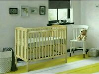 Kinder valley Sydney cot natural pine. With free mattress. Brand new.