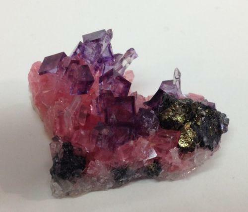 how to tell the difference between purple fluorite and amethyst