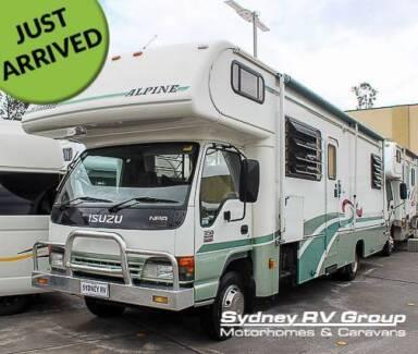 U3668 Winnebago Alpine 2855 Luxury RV with LOW KM's