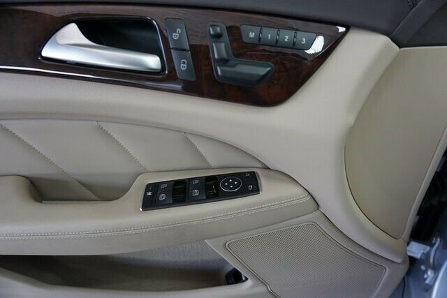 Image 10 Voiture Européenne d'occasion Mercedes-Benz CLS-Class 2014