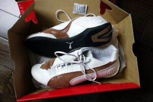 Puma Future Cat Size 6 (I'm size 7) White Leather/Brown Suede