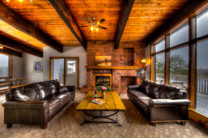 6 Bed Blue Mountain Chalet with Hot Tub & Private Beach