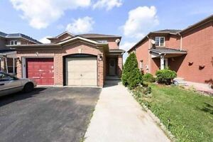 Prime Safe Location, Ready To Move In Semi-Detached Home.
