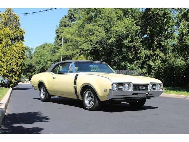 Image 1 of Oldsmobile: 442 Yellow…