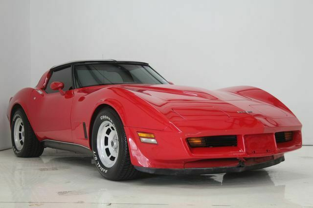 1980 Red Chevrolet Corvette   | C3 Corvette Photo 3