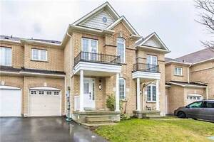 Newmarket 3+1Br 4Wr Freehold Townhouse near Upper Canada Mall