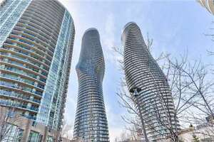 Absolutely Stunning Condo In The Heart Of Mississauga!