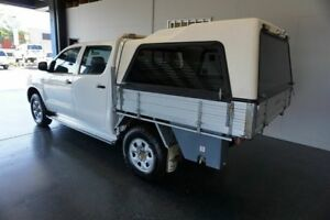 2007 Toyota Hilux KUN26R 06 Upgrade SR (4x4) White 5 Speed Manual Dual Cab Chassis