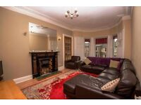 Edinburgh Festival: 5 Bed Flat Central Flat, Lounge, Dining Kitchen, 2 Full bath, Stunning