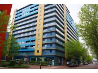 NO ADMIN FEES- THREE BEDROOM APARTMENT WITH 2 BATHROOMS IN ROYAL DOCKS E16
