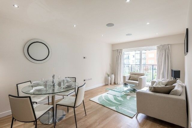 STUNNING BRAND NEW TWO BED TWO BATH FLAT WITH PARKING!!!!!!!!!!