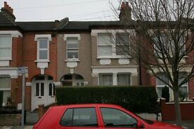 Large 3 beds two bathrooms, kitchen, living room and garden to let near South Wimbledon Tube zone3