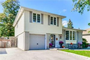 Exceptional Family Living In West Peel Village!!