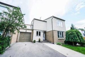 Mississauga 5 Bed 4 Bath Townhouse Home in Lakeshore Rd