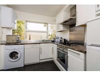 IMMACULATE TWO BEDROOM HOUSE IN WEST THAMSESMEAD SE28 !!!