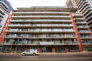 Penthouse living in the Byward Market! PH906-383 Cumberland St.
