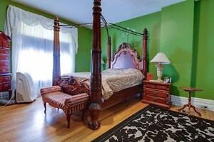Large Furnished Master Bedroom in St. Thomas. Available Jan 1st.
