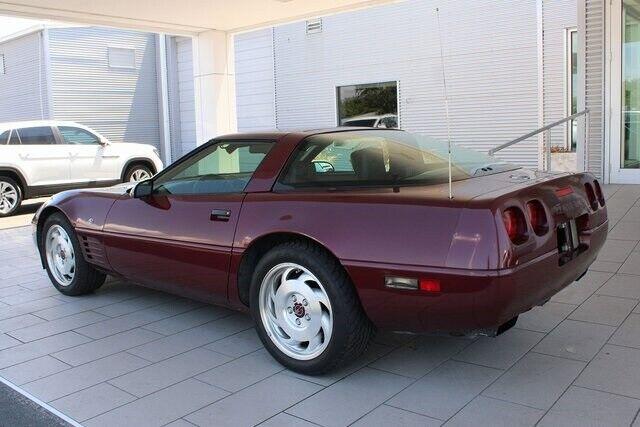 1993 Red Chevrolet Corvette   | C4 Corvette Photo 7
