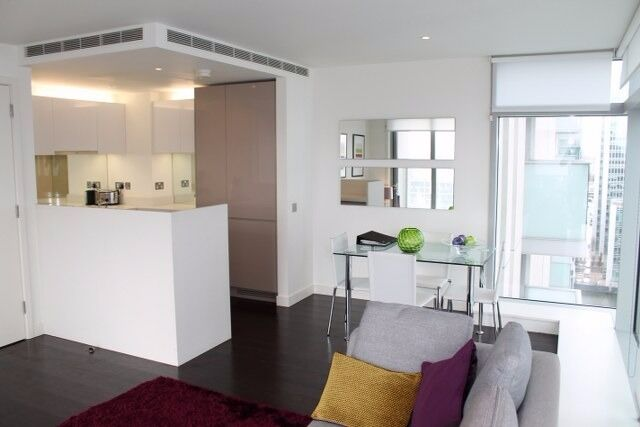 - Hot 2bedroo 2bathroom property available in 22nd floor of Pan Peninsula E14!