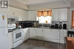 2 bdrm 1 1/2 bath with garage in Aylesford available  April 1st.