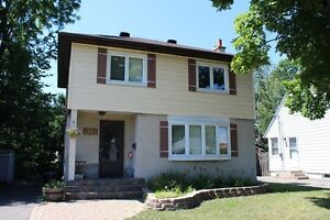 Fully updated house in Alta Vista - close to downtown