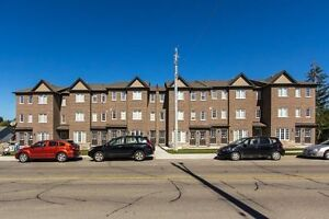 STUDENT ROOMS FOR RENT GROUPS OR INDIVIDUALS WELCOME !!! Kitchener / Waterloo Kitchener Area image 1