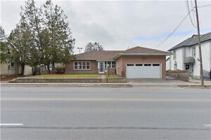 WOW! Great Buy In Woodbridge!! Spacious 3+3 Bdrm Bungalow!!