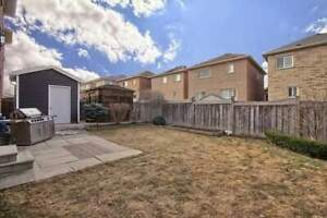 NICE HOUSE FOR SALE AT VAUGHAN CITY
