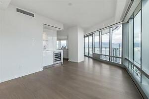 ☎☎☎ 2 Bd + Flex, Amazing 180° Water Front  View