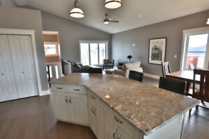 Executive Home in Warman for Rent