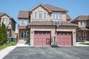 Semi-Detached home for Lease in Mississauga