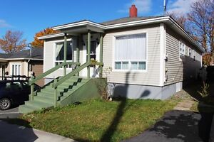 Room for rent in quiet house, newly renovated and 1 km from mun St. John's Newfoundland image 7