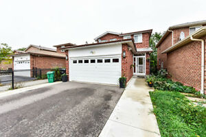 Renovated 3-bedroom house with Ravine Lot