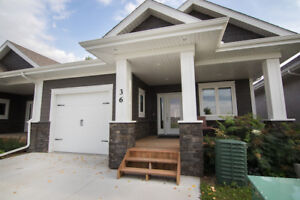 Beautiful 2 Bed/2 Bath Bungalow Condo OPEN HOUSE SUNDAY