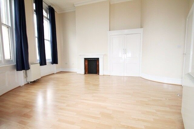 Very large apartment in a Period Conversion and located within seconds of Clapham Junction Station