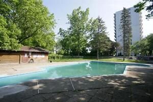 Western U Location! Save on Big Bright Suites. A Perfect Share! London Ontario image 5
