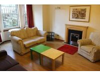 2 bed semi furnished flat to rent in Gray Street, Glasgow