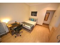 Pretty room with own TV and LCD. Pretty close to Liverpool Street, only 22 mins by Central Line