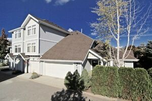 """RARE & BEAUTIFUL 1.5 STOREY 3 BED TOWNHOME IN DESIRABLE 'SOLANO"""""""