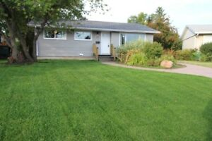 ACREAGE IN THE CITY Renovated Bungalow Kensington