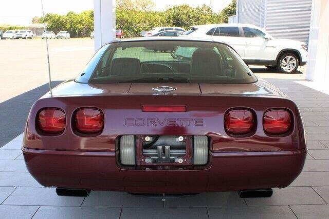 1993 Red Chevrolet Corvette   | C4 Corvette Photo 9