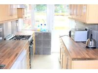 Lovely 4 double bedroom house with a lovely private garden. Refurbished and two bathrooms.