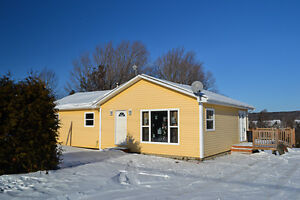 Renovated bungalow in Prince William, 25 min from Fredericton!