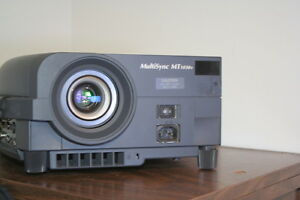 NEC MT1030+ Projector Windsor Region Ontario image 2