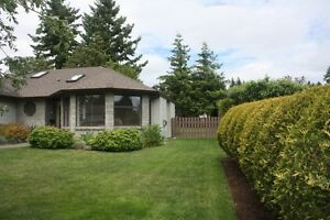 Comox, Beautiful RANCHER FOR SALE